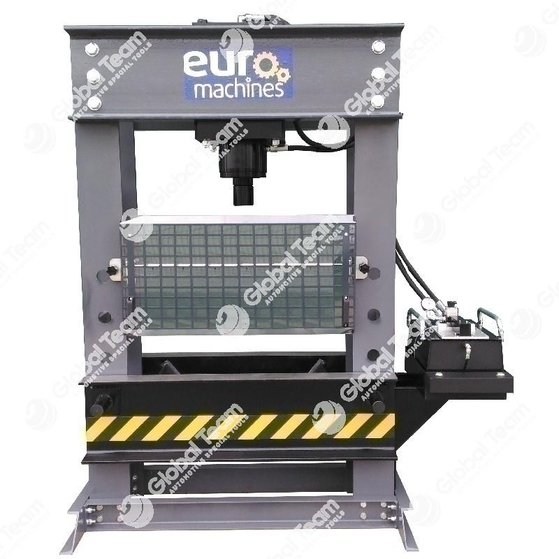 Pressa pneumoidraulica EUROMACHINES 150 TON a velocita' variabile - doppio effetto - comprensiva di protezione, piatto e catene di sollevamento banchina