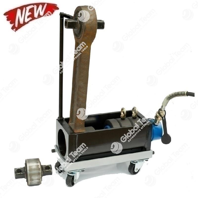 Attrezzo con cilindro idraulico per rimozione ed installazione silent block trapezi veicoli industriali
