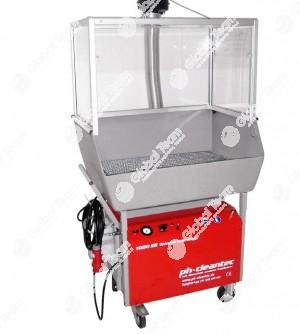 Idrpolulitrice tecnica a bassa pressione per interni con box recupero acqua , filtri riciclo e gabbia aspirazione vapori . Certificata