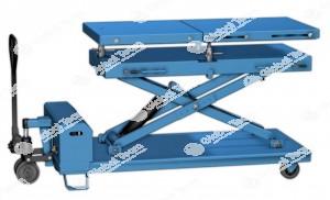 Piattaforma tavolo ergonomico mobile alzata a batteria piano oscillabile portata 1500 kg. per stacco e riattacchi gruppi motori e cambi veicoli in genere .