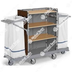 Carrello dedicato alla pulizia e quindi cin ripiani per prodotti , porta carta e cestino . Pratico per tutte le officine