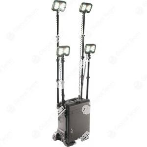 Lampada Led multipla 4 altra luminosità a batteria in valigia Rugget IP65 per soccorsi stradali e lavori all'esterno