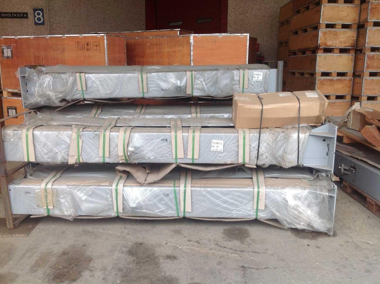 Ponte a 2 colonne fisso Elettroidraulico da 3,5 ton. nuovi sino ad esaurimento scorta. Richiedi info ed offerta senza impegno.